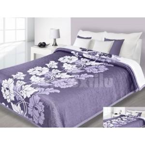 Fialové prehozy na postele s bielym motívom kvetu