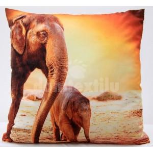 Obliečka na vankúš oranžovej farby vzor slon