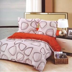 Krémovo červená obliečka na posteľ s čiernym vzorom