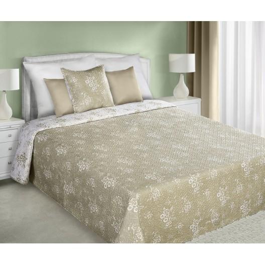 Béžový obojstranný prehoz na manželskú posteľ s maličkími bielymi kvetmi
