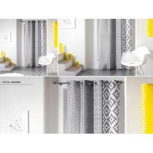 Závesy v bielo sivej farbe na okno v škandinávskom štýle