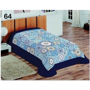 Prikrývka na posteľ s modrými ornamentami