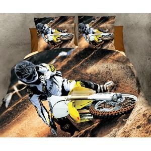 Hnedé posteľné obliečky s motorkárom na žltej motorke