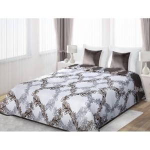 Biele prehozy obojstranné na posteľ s kvetinovými listami