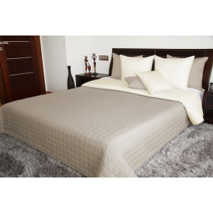 Krémové obojstranné prikrývky na posteľ