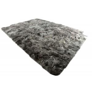 Kusové koberce plyšové v sivej farbe