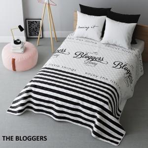 Biely prehoz na posteľ s pruhmi