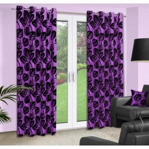 Dekoračné závesy na okno v fialovej farbe so vzorom čiernych listov