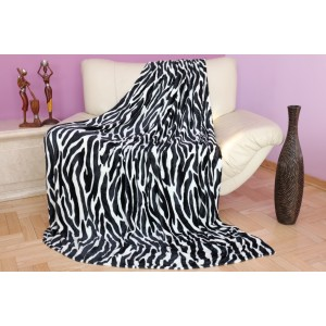 Čierno biela hrejivá deka s motívom zebry