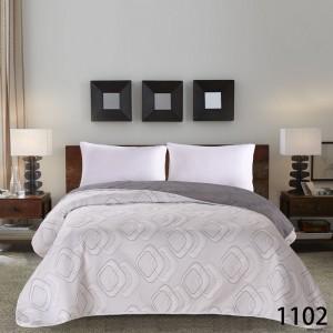 Béžové prehozy na posteľ so vzorom