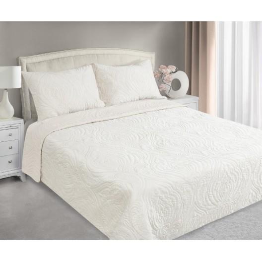 Krémové prehozy na posteľ s prešívaným motívom