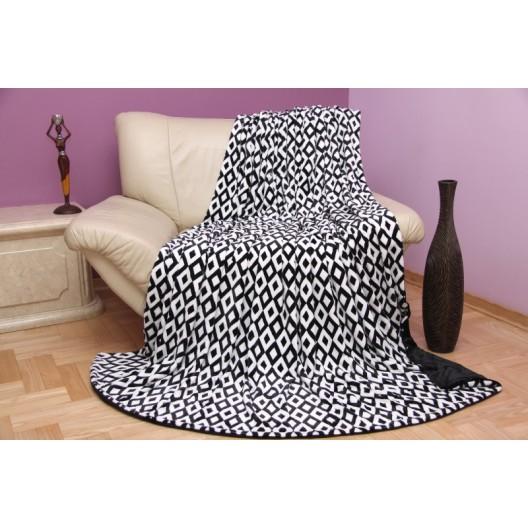 Čierne dekoračné deky do obývačky
