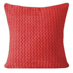 Červená návliečka na vankúše s prešívaným vzorom