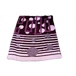 Fialová deka so vzorom