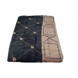 Hrubá mäkká deka čiernej farby
