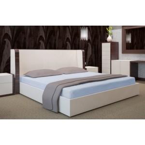 Svetlo modré napínacie plachty na postele