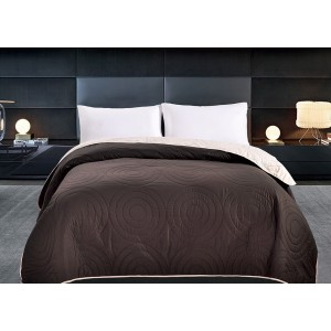 Obojstranné prehozy cez posteľ hnedej farby