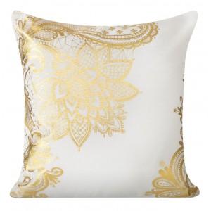 Biela ozdobná obliečka na vankúš s ornamentom