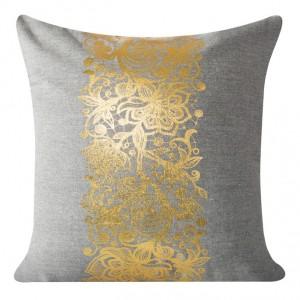 Návliečka na vankúšik so zlatým ornamentom
