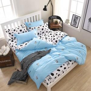 Svetlo modré posteľné obliečky s kravičkami