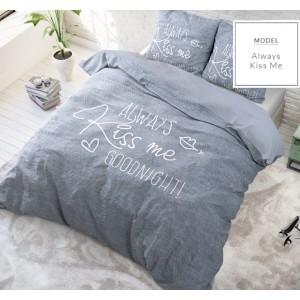 Sivé posteľné obliečky Kiss Me