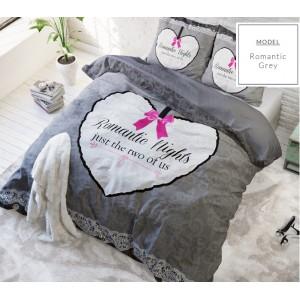 Sivé posteľné obliečky so srdcom