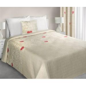 Béžový obojstranný prehoz na postel so srdiečkami