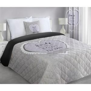 Béžový prešívaný prehoz na postel so srdcom