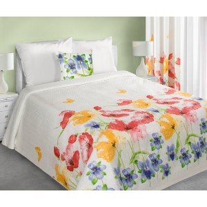 Biela prikrývka na posteľ motívom kvetov