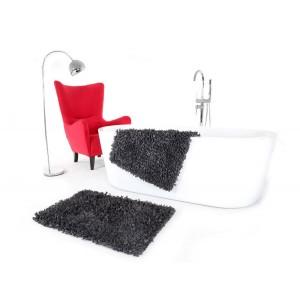 Tmavo sivá predložka do kúpeľne