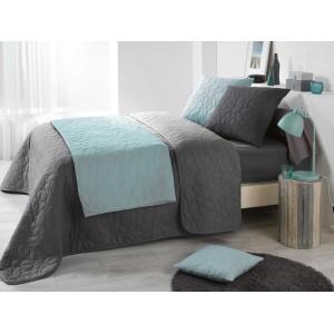 Prešívaný prehoz na posteľ v tmavo sivej farbe