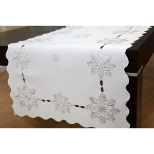 Biela dekoratívna štóla na stôl s vianočným motívom snehovým vločiek