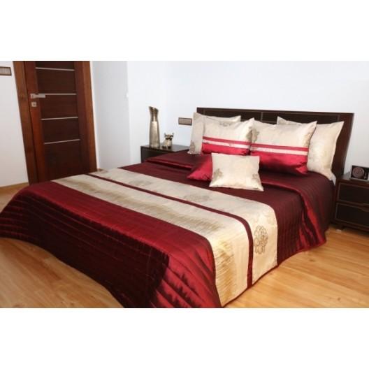 Elegantný prehoz na posteľ v bordovej farbe so zlatým pruhom
