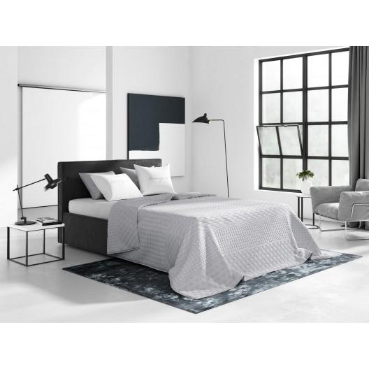 Svetlo sivé dekoračné prešívané prehozy na posteľ