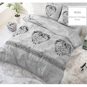 Sivé kvalitné posteľné prádlo so srdiečkami