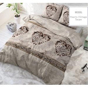 Moderné béžove posteľné obliečky s vintage srdiečkami