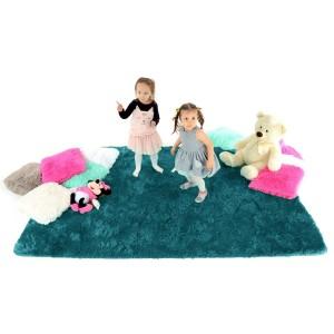 Plyšové koberce do detskej izby v tyrkysovej farbe