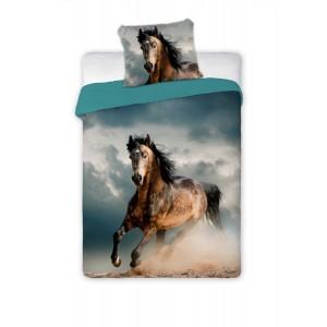 Modré posteľné obliečky s cválajúcim koňom
