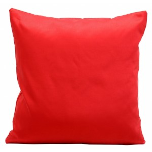 Sýto červené saténové obliečky na vankúše