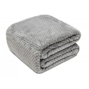 Teplá deka v sivej farbe