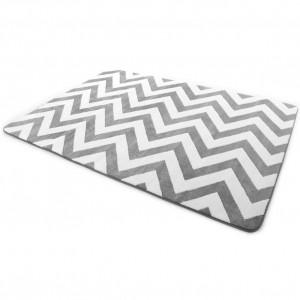 Kvalitné koberce sivej farby s cikcak vzorom