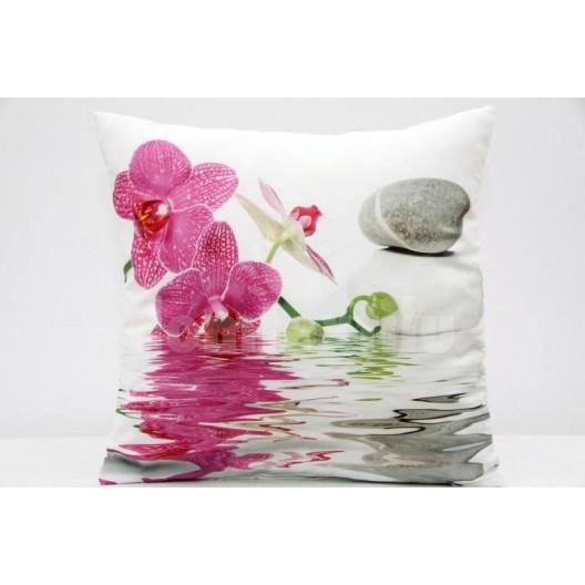 Vankúš ružovo biely kvet