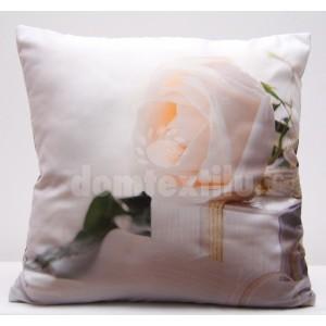 Biela obliečka na vankúš s motívom bielej ruže