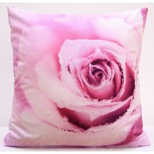 Obliečka na vankúš ružovej farby s motívom ružovej ruže