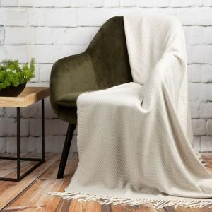 Krásna béžovo biela akrylová deka so strapcami 130 x 170 cm