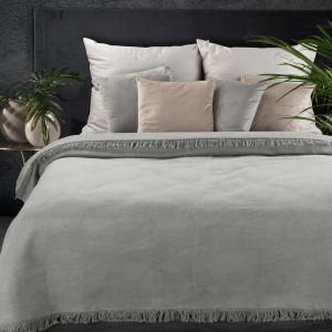 Jednofarebná svetlo sivá hrejivá akrylová deka