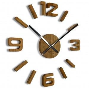Unikátne drevené hodiny na stenu vo farbe dub