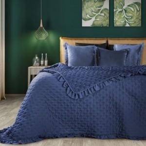 Štýlový prehoz do spálne v modrej farbe