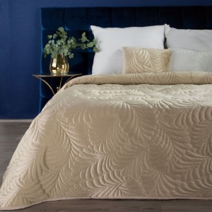 Luxusný béžovo zlatý zamatový prehoz na posteľ