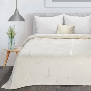 Smotanovo biele hebká deka so striebornou geometrickou potlačou 150 x 200 cm
